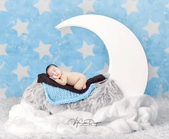 """I love you to the moon and Back"" Baby Jaime at 2 months old  #vasandiegocreativ..."