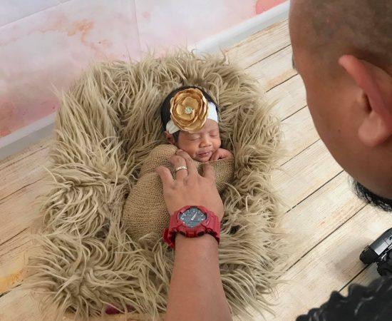 Newborn Photoshoot at the convenience in your own home. #homeservice #vasandiego...