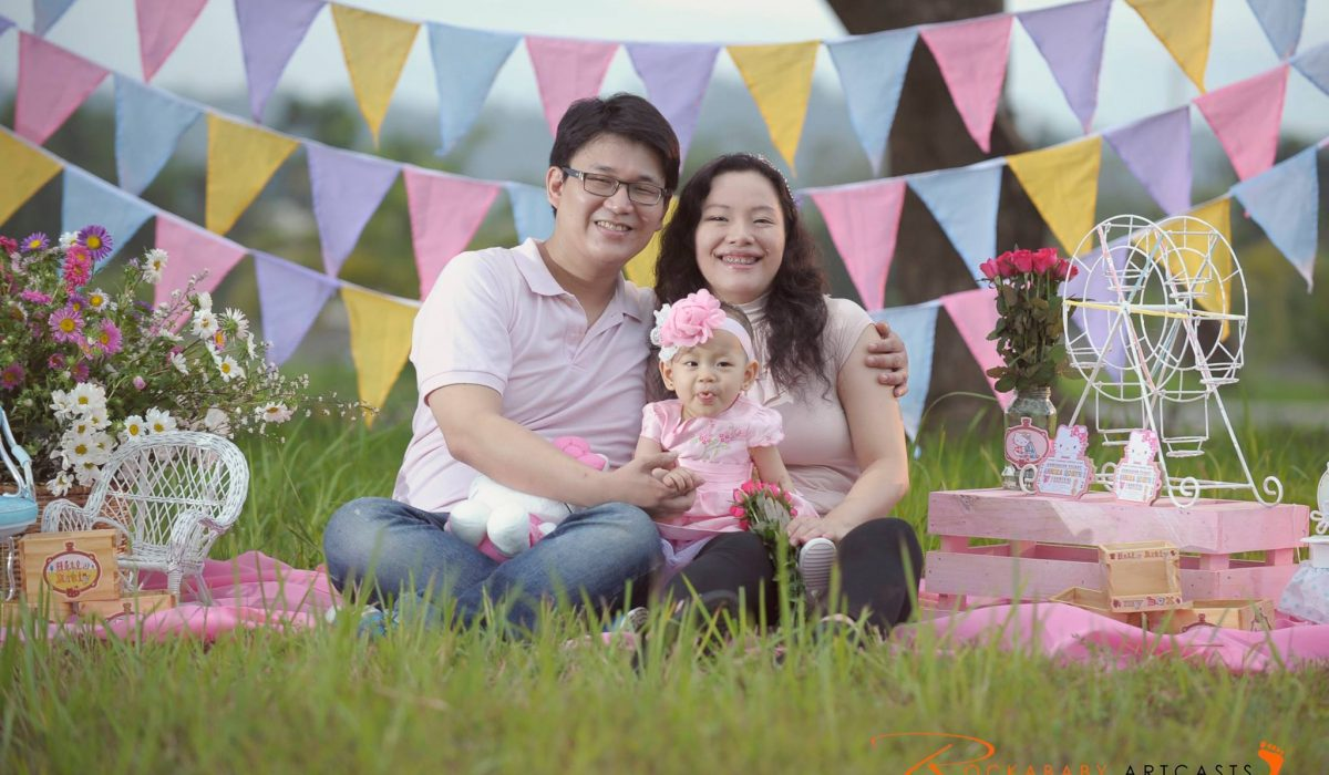 Chong Family and Baby Annika Robyn Outdoor Photoshoot :) #VAsandiegoStudio #fami...