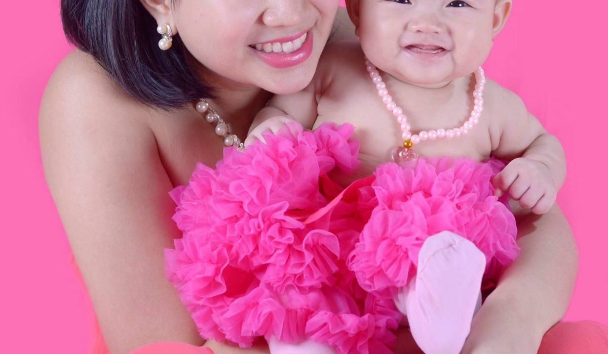 We love pink! Krina and bay Keila portrait! #VAsandiegoStudio #motherandchild