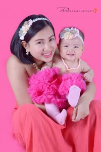 We love pink! Krina and bay Keila portrait! #VAsandiegoStudio #motherandchild